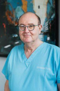 Stomatologiste Conventionné Secteur II Docteur en Médecine Diplômé de la Faculté de Médecine de Paris VI en 1983 Certificat d'Etude Spéciales en Stomatologie en 1986 Ancien Assistant des Hôpitaux